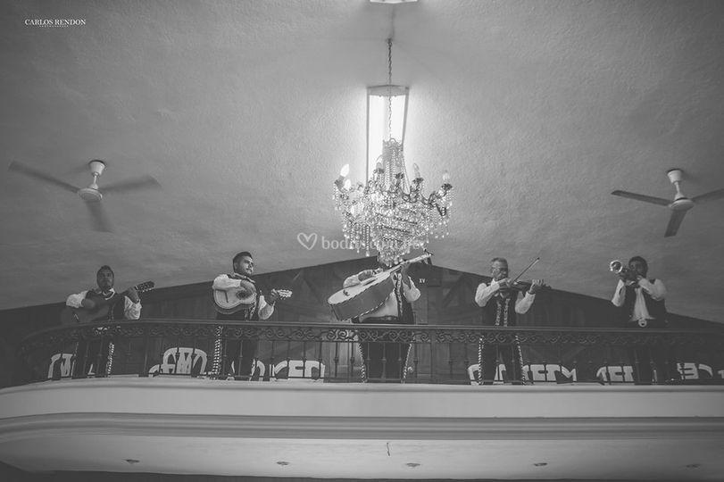 Tocando en la misa de bodas
