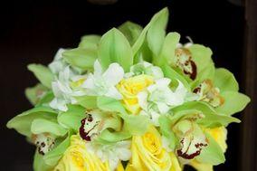 Ramo de Orquídea y rosas