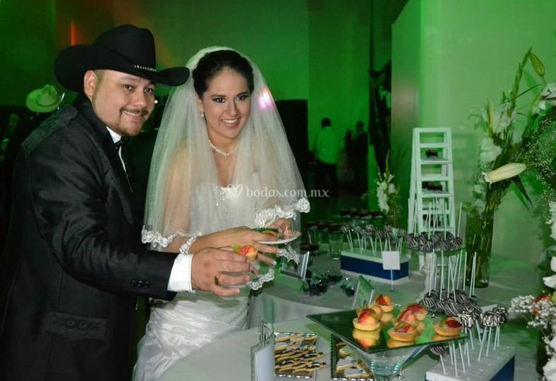 Admyr Sweet Party