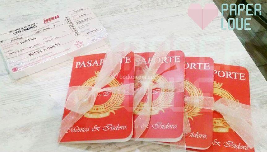 Pasaporte y Boleto de Avion