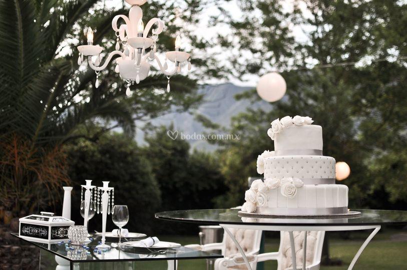 Mesa para Pastel de Los Pinos 112