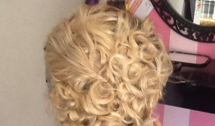 Strada Hair Studio
