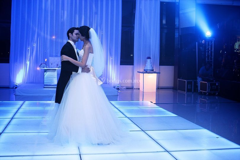 Pista de baile iluminada