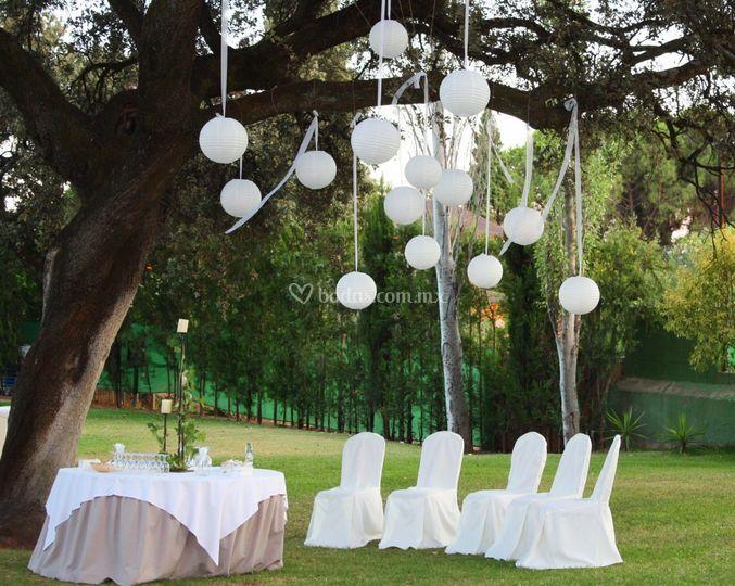 Bodas en jard n de florer a martha leonor foto 11 for Arreglos florales para boda en jardin