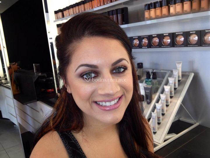 Julia Venegas Makeup