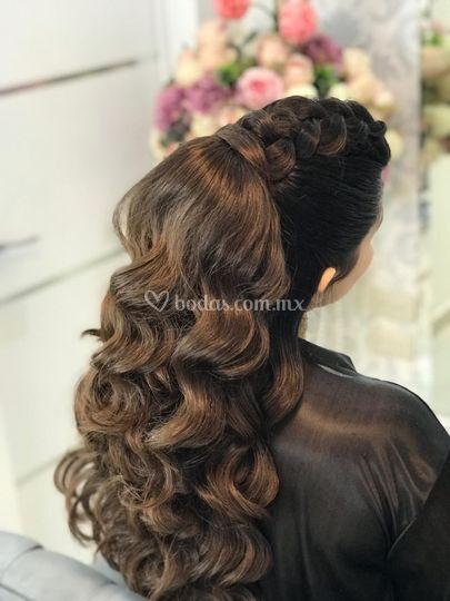 Peinado de dama