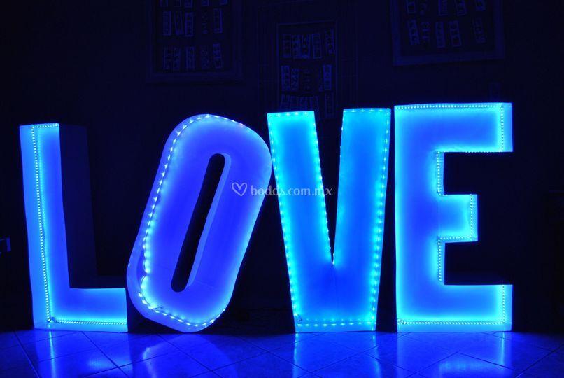 Love disponible en color azul