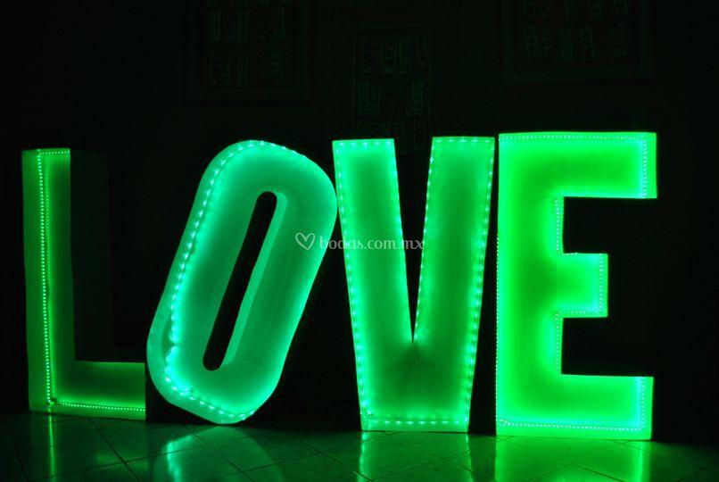 Love disponible en color verde