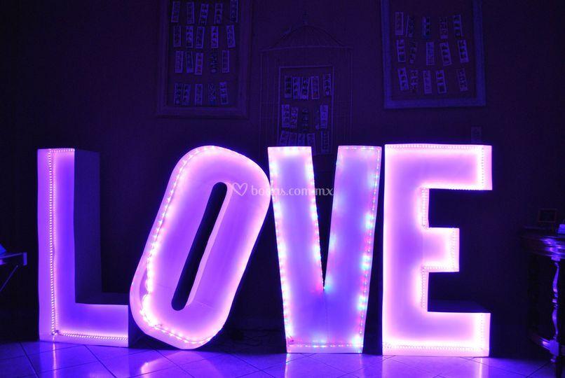 Love disponible color blanco