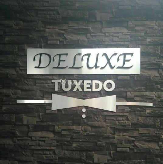 Logo de Deluxe Tuxedo
