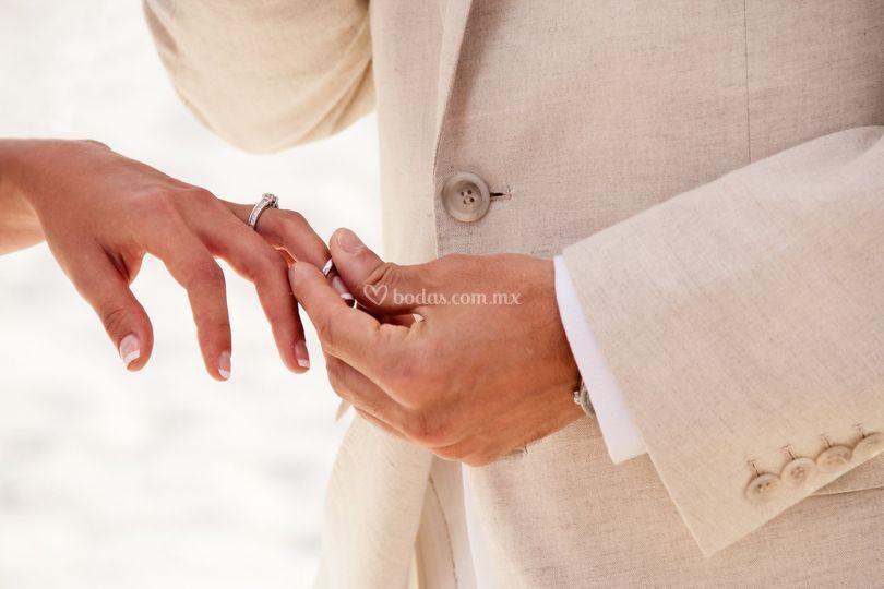 Recibe este anillo