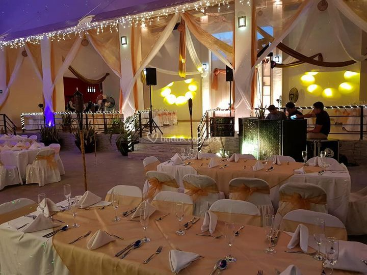 Merlot Eventos & Banquetes 10