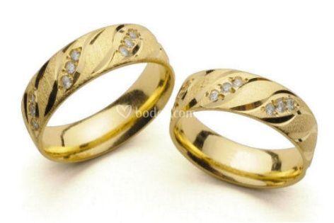 7d3cabdfc152 Argolla oro amarillo con zirconias confort. El Mundo de las Argollas