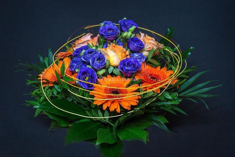 Ramo naranja y violeta