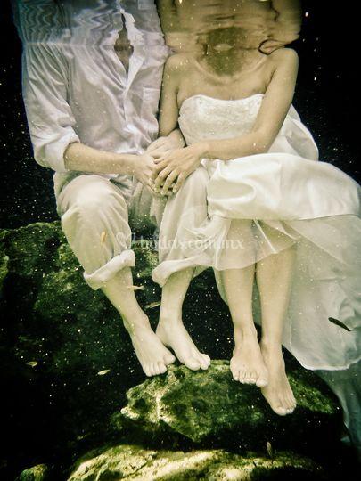Trash the dress en cenote