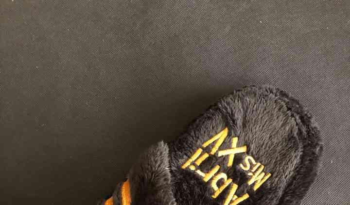 Pantufla tipo Adidas