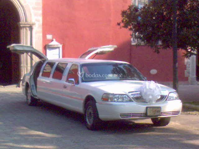 Lincoln Town Car alas gaviota 7 personas