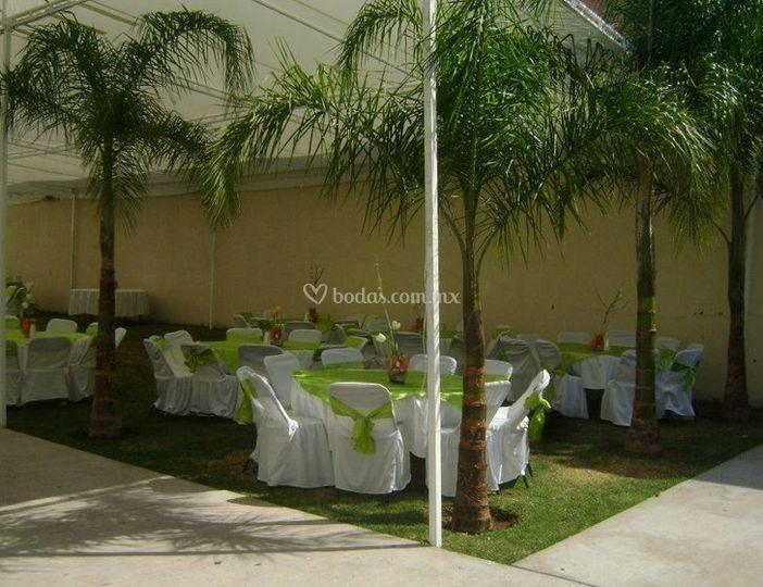 Bodas realizadas de salon jardin mayton foto 3 for Salon villa jardin morelia
