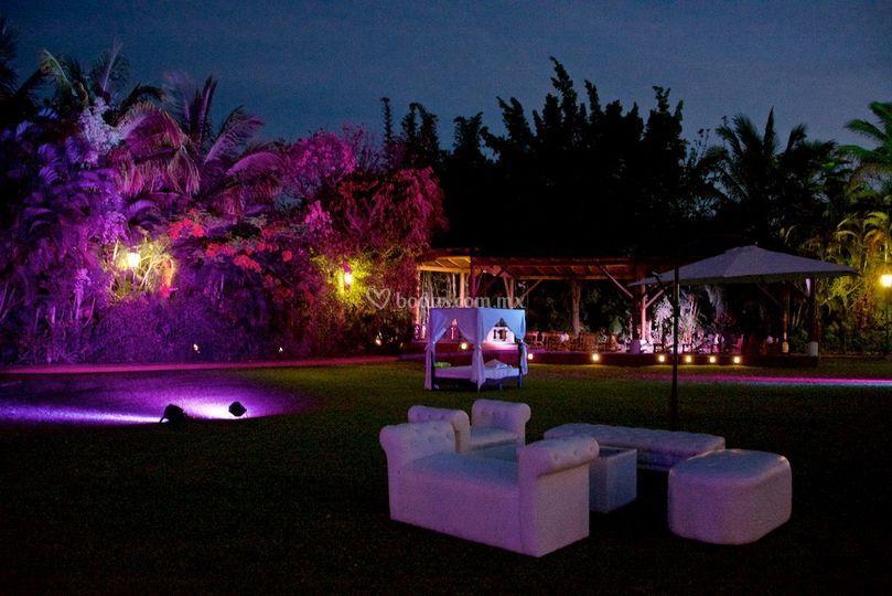 Iluminaci n arquitect nica de thesan jard n foto 30 - Iluminacion de jardines fotos ...