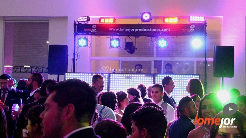 Iluminación + DJ