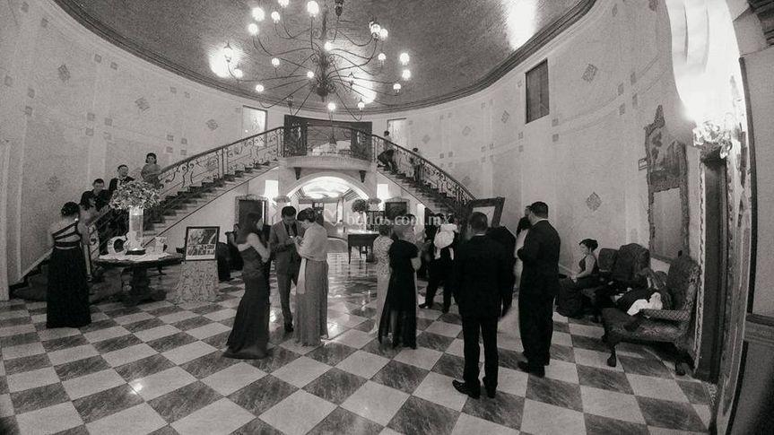Lobby Amplio