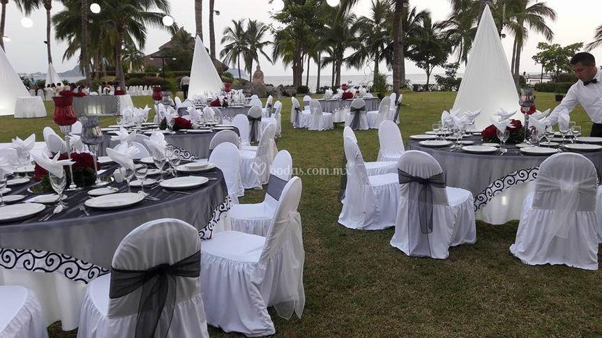 Banquete boda blanco y negro