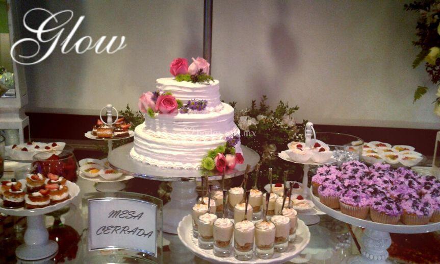 Mesa y pastel