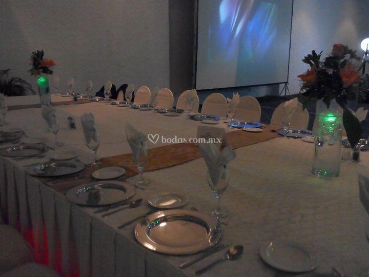 Banquete en mesa imperial 2
