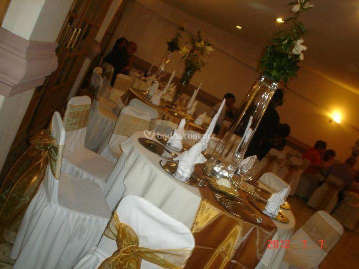 Decoración para boda de oro