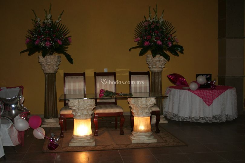Mesa principal de Quinta Palace Reinas