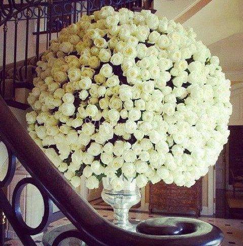 Decoración en rosas blancas