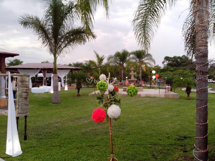 Real campestre - Jardines bien decorados ...