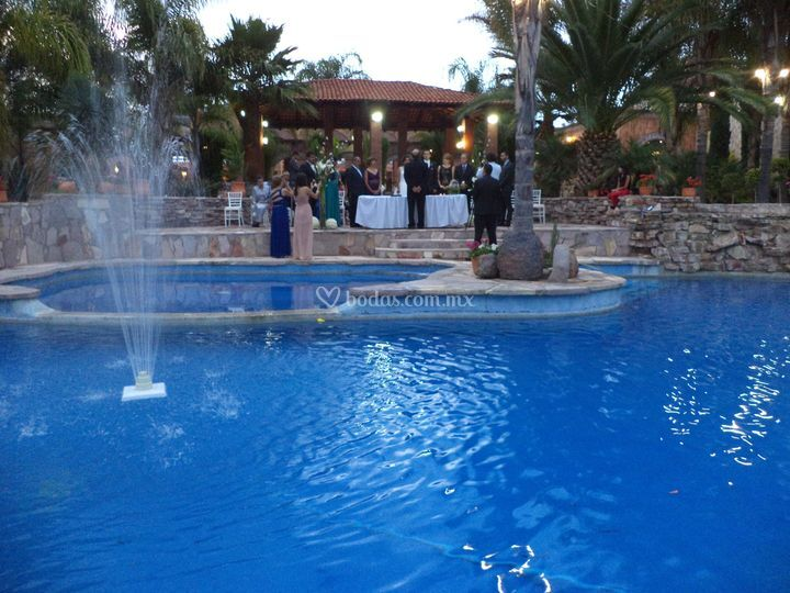 Boda civil jard n los soles de hacienda vista hermosa for Jardin 5 soles