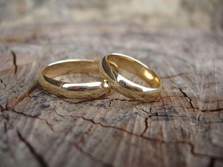 Sus anillos de boda