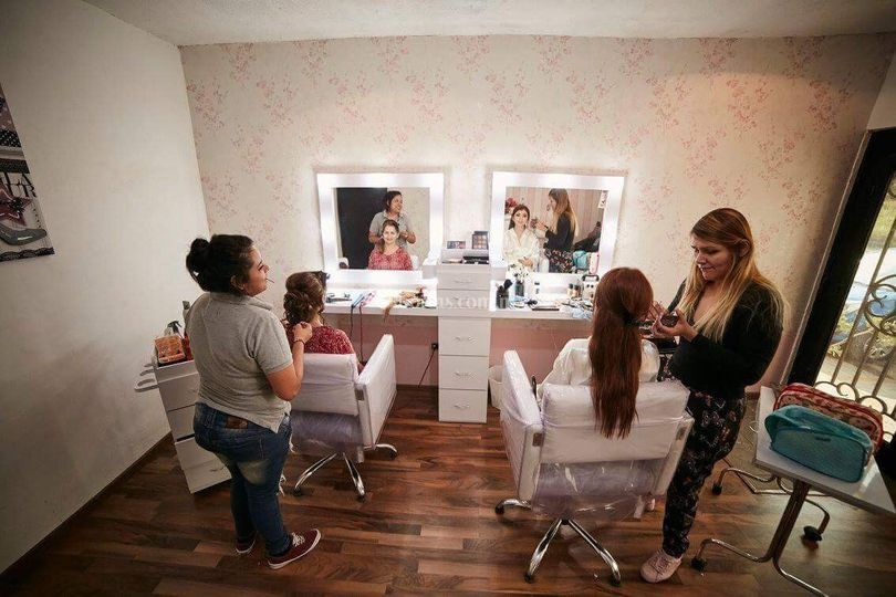 Arely Leal Hair & Makeup