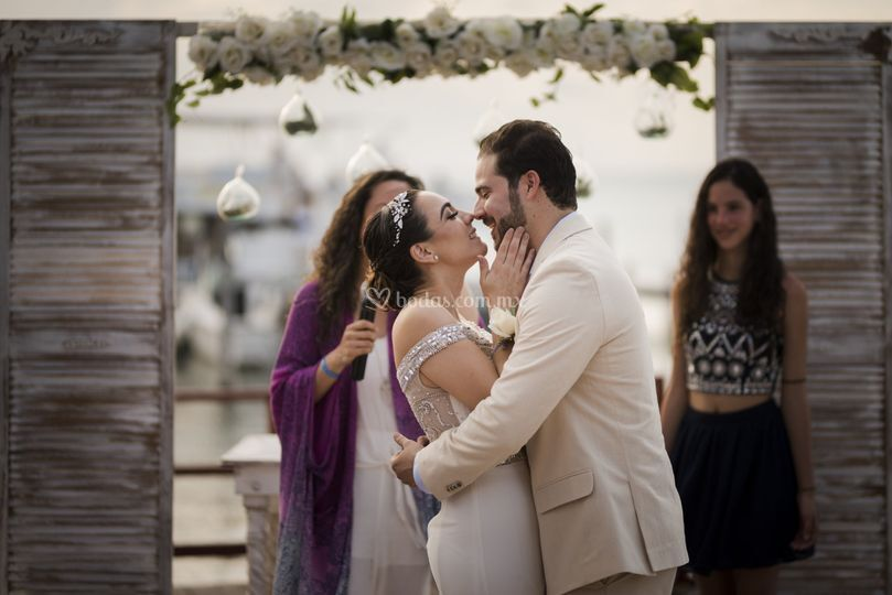 Altar beso