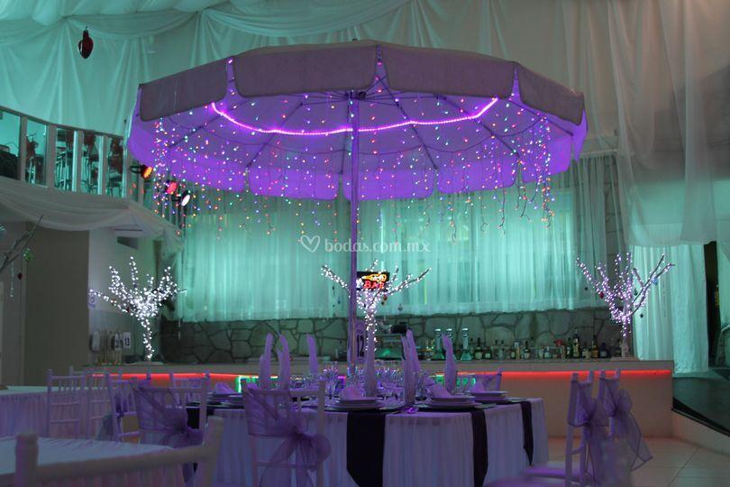 Sombrillas decoradas