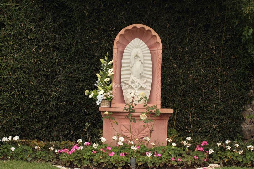 Virgen de jard n quinta real foto 2 for Jardin quinta real