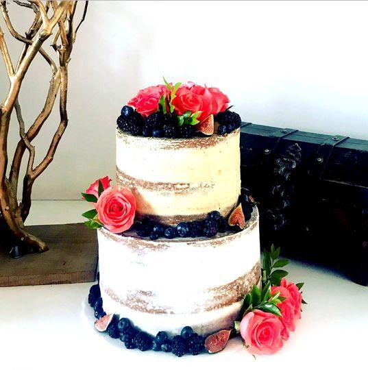 Pastel nacked cake frutos