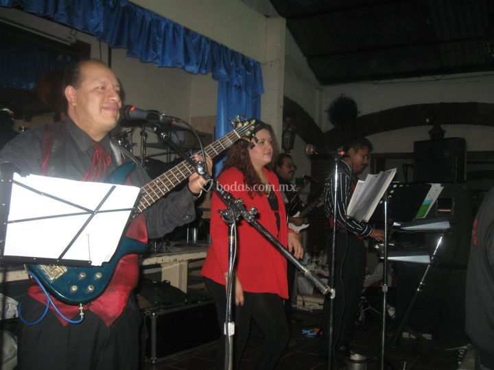 Grupo musical Embrujo