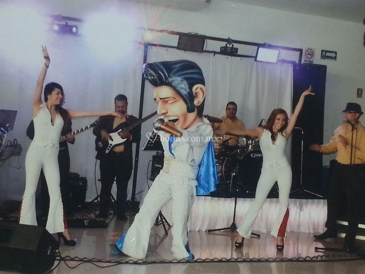 Show Elvis