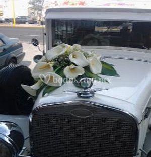 Arreglos para carros de bodas