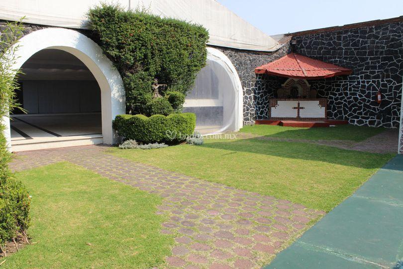 Arcos para jardin relax en jardn arco de madera para - Arcos de jardin ...