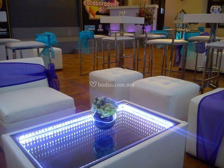 Salas lounge luminosas