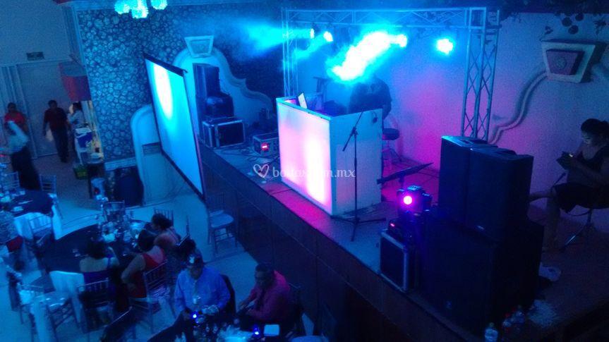 DJ (luz y sonido)