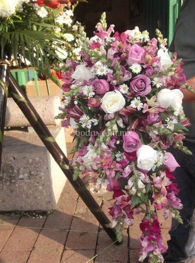 Hermosos ramo con rosas