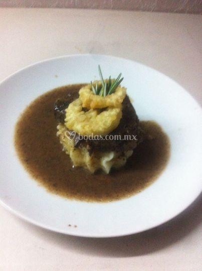 Centro de filete con salsa bru