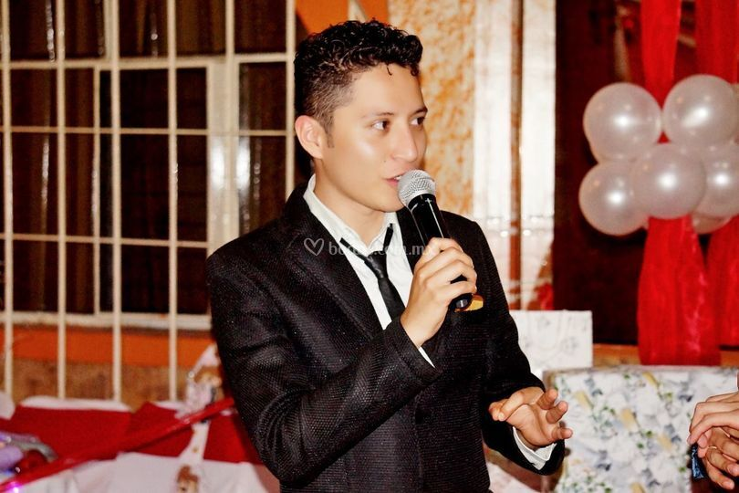 Raul Quezada - Maestro de Ceremonias