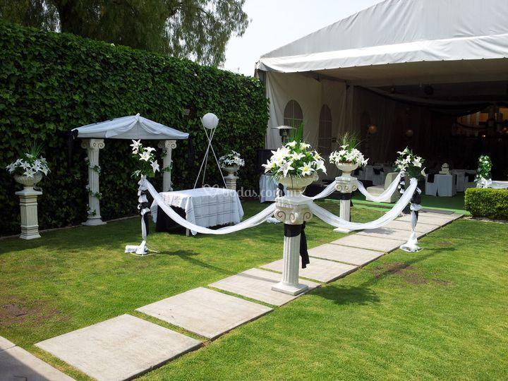 Decoraciones especiales de jard n alejandra foto 15 - Decoracion jardin boda civil ...