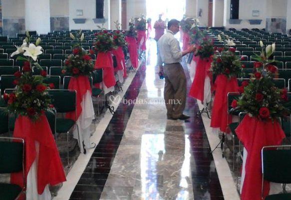 Arreglos florales de la iglesia